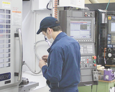材料 フライス 旋盤 研磨 放電加工
